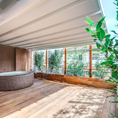 ISIDORO: Piscina in stile in stile Moderno di MOB ARCHITECTS