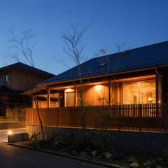 灯の家(とうのいえ)(La casa alumbrada): アグラ設計室一級建築士事務所 agra design roomが手掛けた木造住宅です。