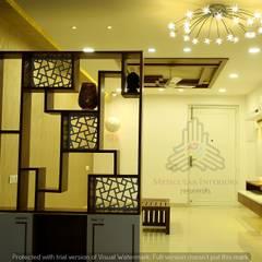 Flur & Diele von Meticular Interiors