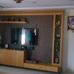 Wohnzimmer von Meticular Interiors