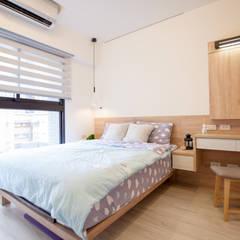 晴天娃娃-20坪小而美的混搭公寓:  臥室 by 酒窩設計 Dimple Interior Design