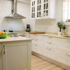 Dapur built in by KIBAC DISSENY SL