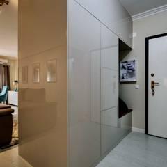 Pasillos y hall de entrada de estilo  por Sandra Batista Rodrigues
