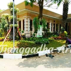حديقة صخرية تنفيذ Tukang Taman Surabaya - Tianggadha-art