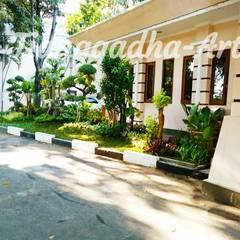 Tukang Taman Surabaya - Taman Kantor :  Taman batu by Tukang Taman Surabaya - Tianggadha-art