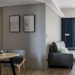 《上選》現代風格設計:  客廳 by 極簡室內設計 Simple Design Studio