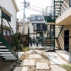 ろじにわ: Unico design一級建築士事務所が手掛けた庭です。