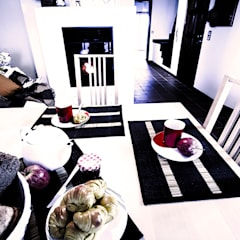 Apartamento Costa Nova: Salas de jantar  por Clover and Rose