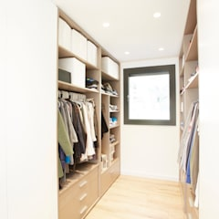 غرفة الملابس تنفيذ Laia Ubia Studio