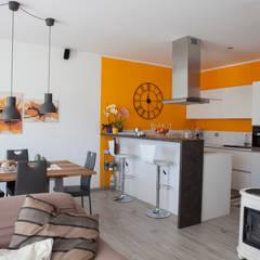 Angolo cucina open space: Cucina attrezzata in stile  di Spazio Positivo