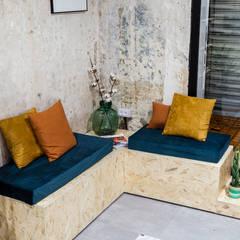 Sala de espera : Espacios comerciales de estilo  de Triangle Studio