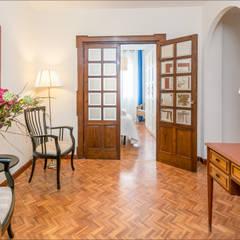 Fotografía de interiores,  Málaga / Costa Del Sol.  ---  Real Estate photography - Málaga / Costa Del Sol: Pasillos y vestíbulos de estilo  de Hansen Properties