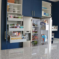 Kitchen units by Moderestilo - Cozinhas e equipamentos Lda