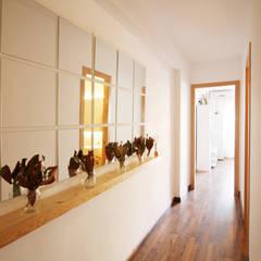 الممر والمدخل تنفيذ Neus Conesa Diseño de Interiores
