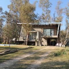 Casa A&P - Fachada: Casas unifamiliares de estilo  por Módulo 3 arquitectura