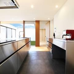 Kitchen2: STaD(株式会社鈴木貴博建築設計事務所)が手掛けたキッチンです。