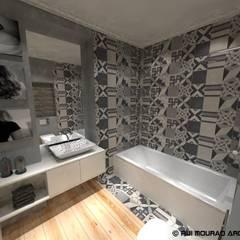 Casa TBSC: Casas de banho  por RMA - Rui Mourão Arquitecto Unipessoal Lda