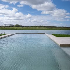 Estilo Moderno: Piletas de jardín de estilo  por CIBA ARQUITECTURA