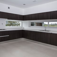 آشپزخانه by CIBA ARQUITECTURA