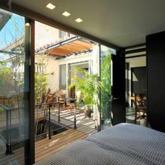 Dormitorios de estilo  por HAN環境・建築設計事務所