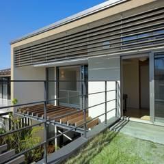 Windows  by HAN環境・建築設計事務所