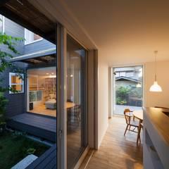 鎌倉中央公園の家: HAN環境・建築設計事務所が手掛けたダイニングです。