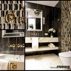 wizualizacja kontra zdjęcie-widok łazienki: styl , w kategorii Łazienka zaprojektowany przez MIKOŁAJSKAstudio