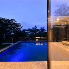 DIVYA BUNGALOW:  Pool by smstudio