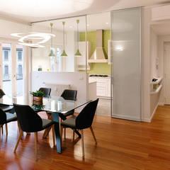 اتاق غذاخوری توسطbottegaarchitettonica , مدرن چوب Wood effect