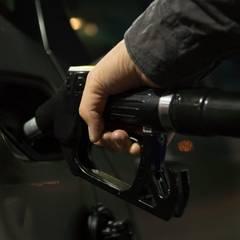 Sorveglianza per distributori carburante: Spazi commerciali in stile  di Bor Sorveglianza attiva
