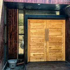 Front doors by homify, Modern Solid Wood Multicolored