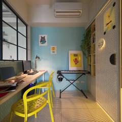 Estudios y oficinas de estilo escandinavo por 一葉藍朵設計家飾所 A Lentil Design