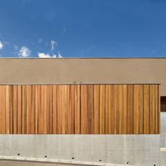 抑揚の家 / House in Nara: 杉山圭一建築設計が手掛けた木造住宅です。