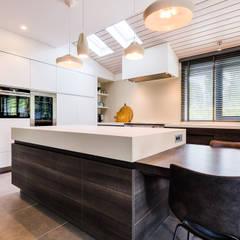 Woonhuis Utrecht:  Keukenblokken door DWB2C