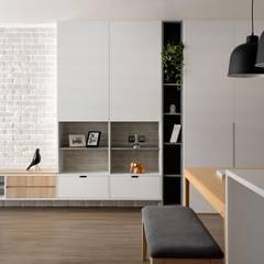 新竹陳宅-簡約北歐風格:  客廳 by 極簡室內設計 Simple Design Studio