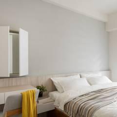 Bedroom by 極簡室內設計 Simple Design Studio, Scandinavian MDF