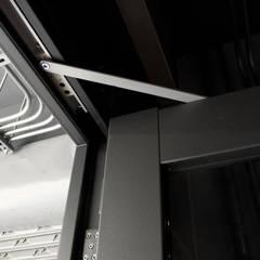 Glastür von 日常鉄件製作所
