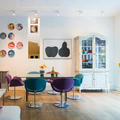 Mia House: Sala da pranzo in stile  di Arabella Rocca Architettura e Design