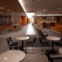 สนามบิน by Karen Oliveira - Designer de Interiores