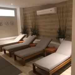 Zona relax: Hoteles de estilo  por Diseñador Paul Soto