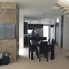 CASAS SIAMESAS ANAPOIMA: Comedores de estilo moderno por RIVAL Arquitectos  S.A.S.