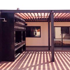 Remodelação de terraço Varandas, marquises e terraços modernos por MOBEC Moderno