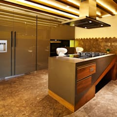 Wooden Modular Kitchen: country Kitchen by METRIKA MODULER SOLUTIONS PVT. LTD.