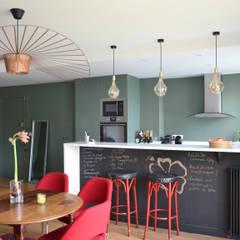 Appartement Paris 15e / 90 m² : Cuisine de style  par A comme Archi