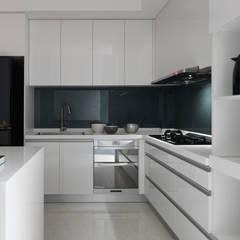 NEXT 1 :  廚房 by 夏沐森山設計整合