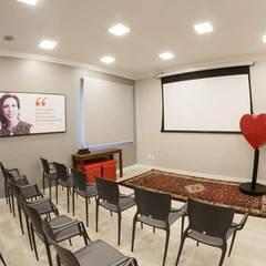 Sala Multimídia: Locais de eventos  por I9 Tecnologia -  Automação & Home Theater