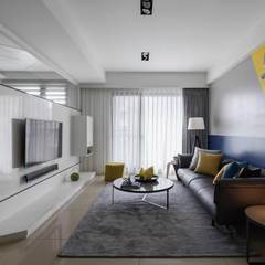 斜。室角:  客廳 by 存果空間設計有限公司