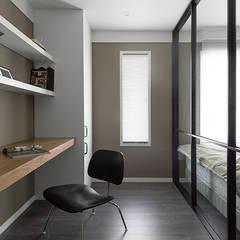 서재인테리어: husk design 허스크디자인의  서재 & 사무실