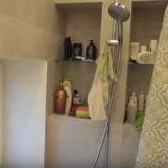 Первая ванная в доме в эко-стиле: Ванные комнаты в . Автор – Design Int Style