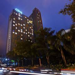 Qliq hotel renovation :  Hotels by jfweejf